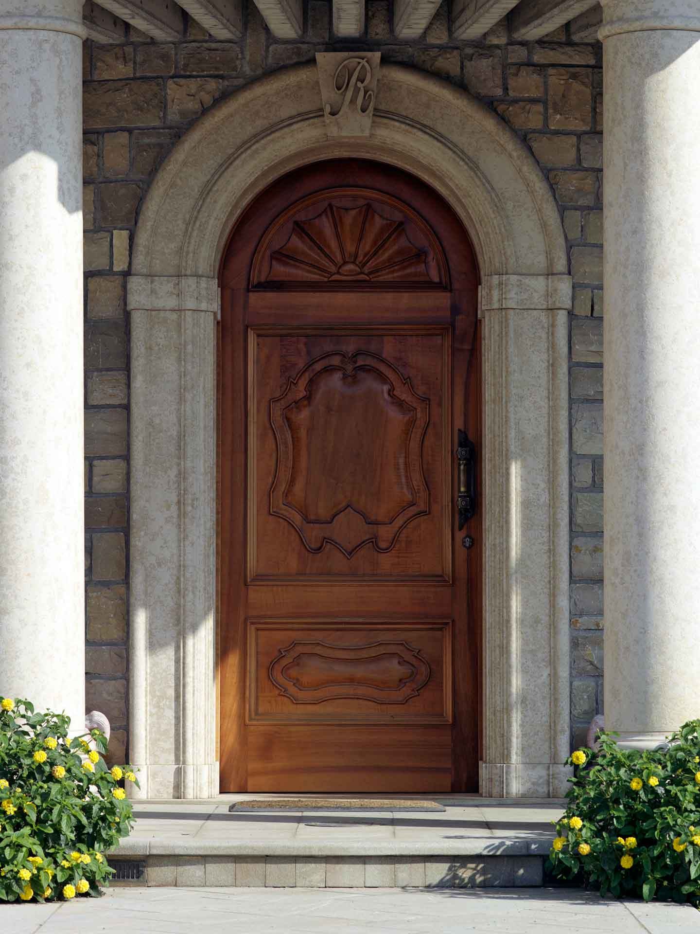 Entrance doors, image c