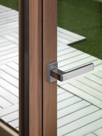 Linea Prestigio handle on a patio door