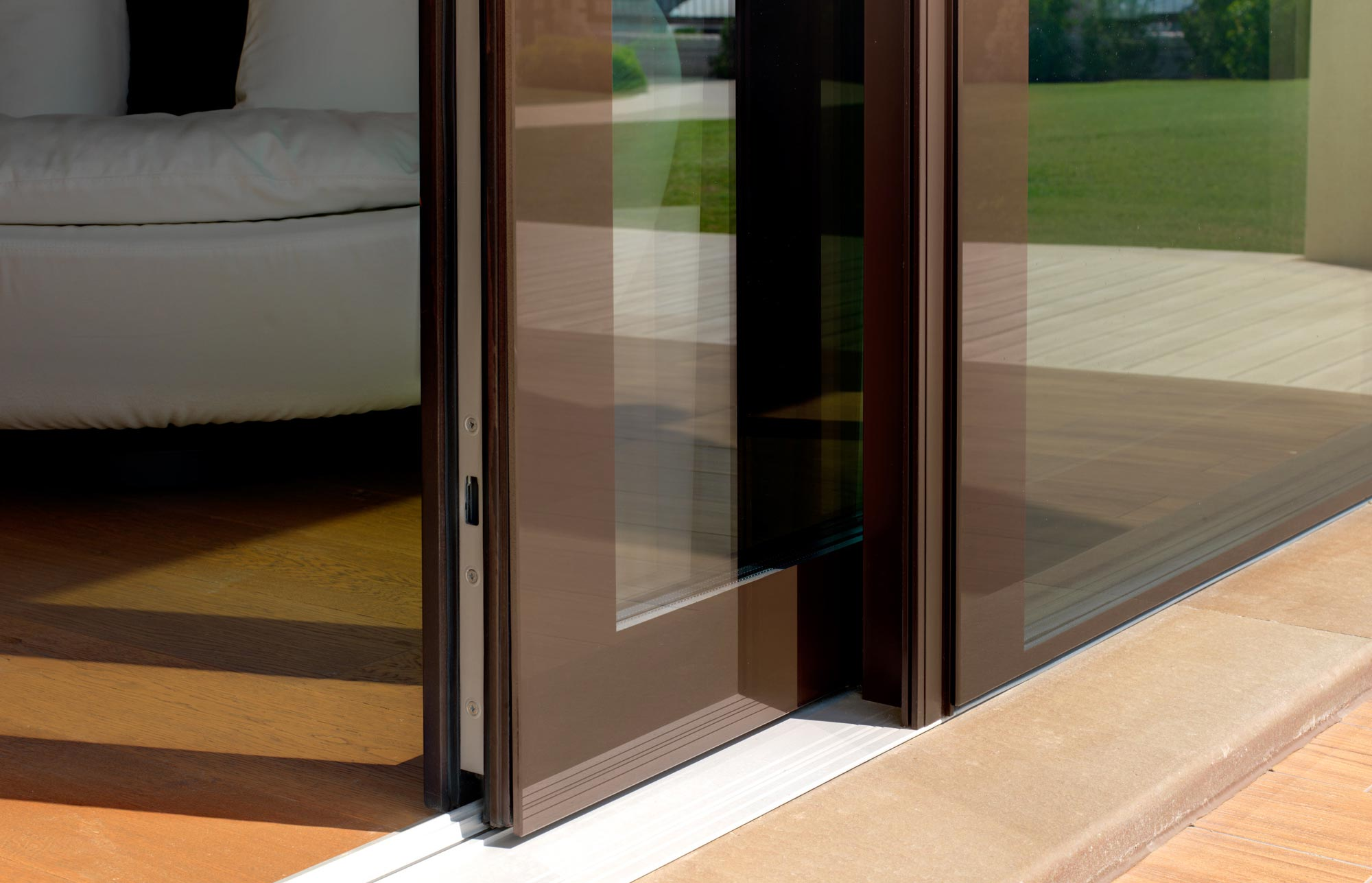 External view of a sliding door with Vitrum Double system