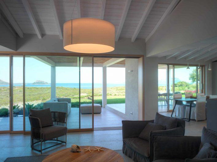 View of the living area with sliding doors in oak