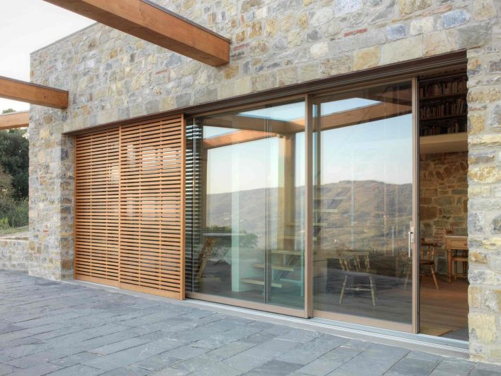 Lift and slide in lacquered wood as per sample with sunshade with sliding wooden slats