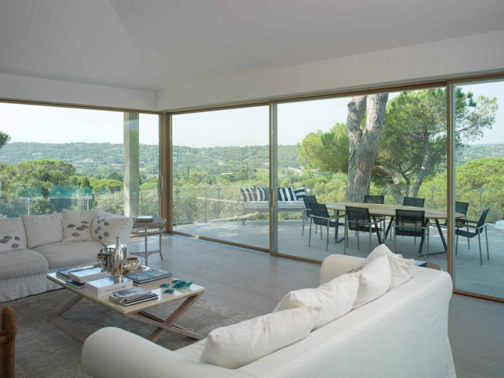 View of the lift and slide of the living area of Villa Saint Tropez with opening corner